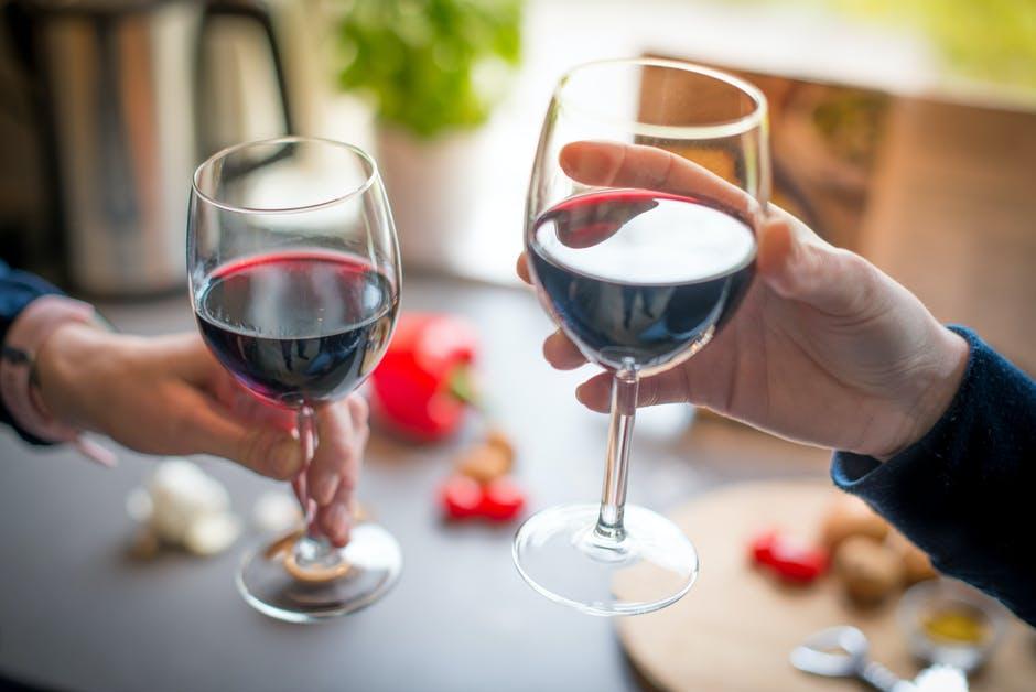 kan je wijn drinken als je op dieet bent