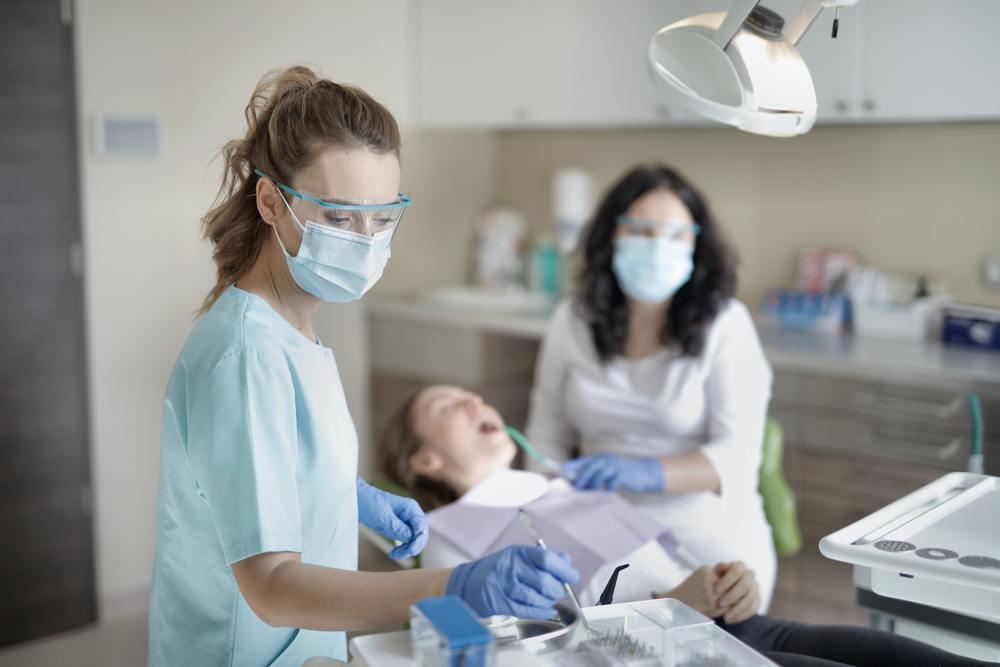 waarom een bezoek bij de tandarts belangrijk is